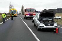 Děsivá dopravní nehoda skončila naštěstí dobře.