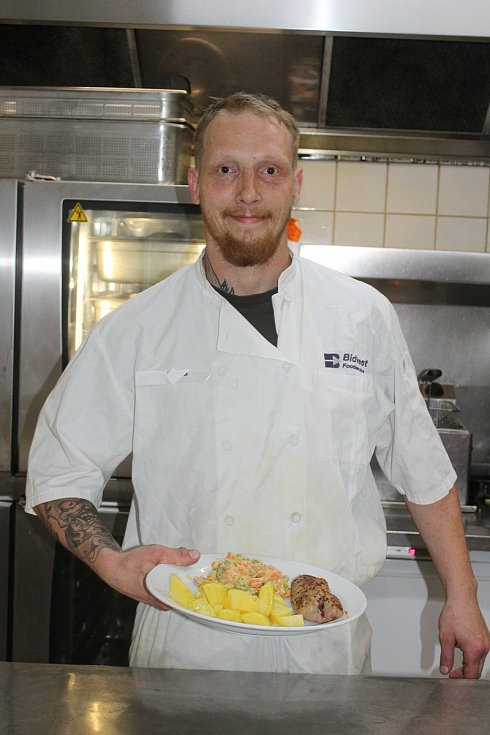 První skutečné obědy po několika měsících začali vydávat i v restauraci U Tomáše.