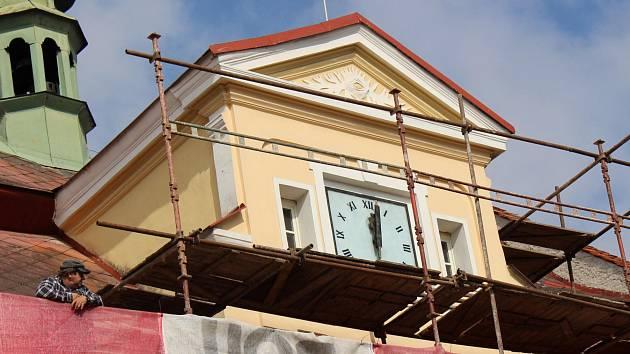 Žlutická radnice prochází rekonstrukcí.