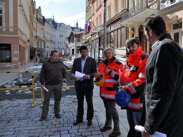 Revitalizace lázeňského centra Karlových Varů má stát 140 milionů korun. Plánovaný termín dokončení je prosinec 2010.