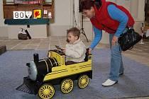 Výstava modelů železnic a všeho, co je s dráhou spojené, začala ve čtvrtek 4. března v ostrovském kostele Zvěstování Panny Marie. Potrvá do 12. dubna.