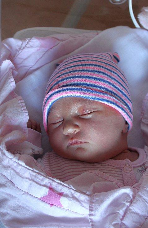 Petra Hladíková z Kbel u Přeštic se narodila 5. září v 18:25 hodin (3980 g, 54 cm) v plzeňské FN na Lochotíně. Rodiče Petra a Petr věděli, že Péťovi (10) domů přivezou sestřičku Petrušku.