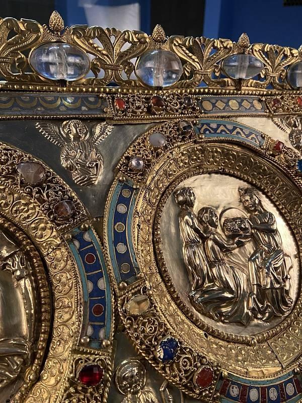 Magického ropušího kamene na relikviáře svatého Maura si všimla doktorka Růžena Gregorová z Národního zemského muzea v Brně díky reportáži v televizi před letními prázdninami.