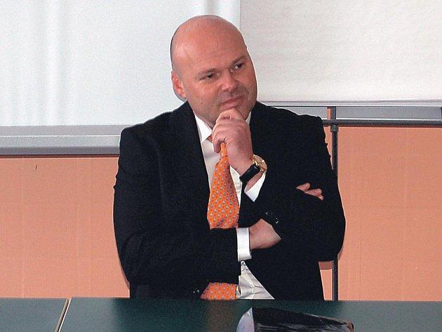 Pavel Kolář bude garantem nového rehabilitačního oddělení v ostrovské nemocnici.
