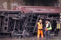 V Novém Sedle na Sokolovsku vykolejilo na železniční vlečce v prostoru nádraží sedm nákladních vagonů.