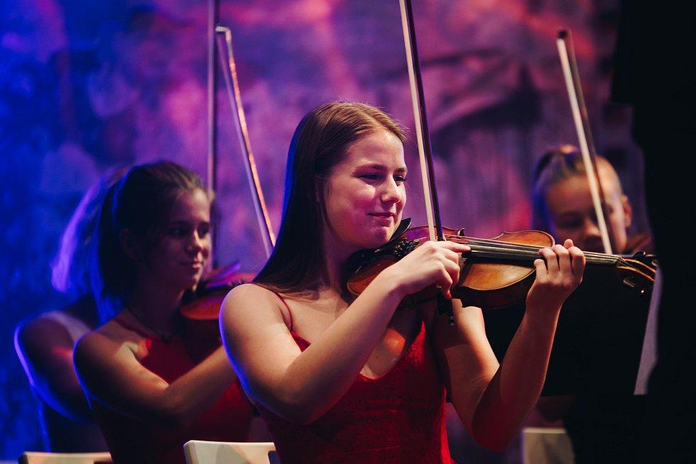 Orchestr.