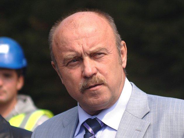 Josef Novotný (ČSSD), poslanec Parlamentu ČR a hejtman Karlovarského kraje.