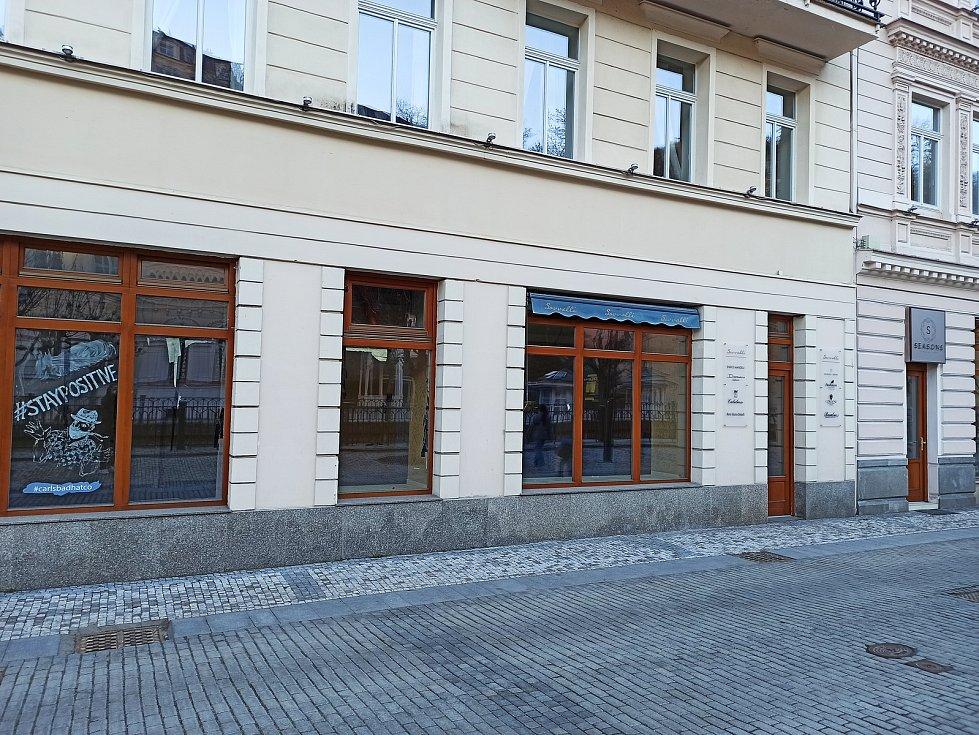 Opuštěné obchody v ulici I. P. Pavlova.