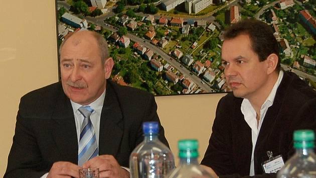 Ředitel KKN Zdeněk Horák (vlevo) a Ija Horník, náměstek pro lékařskou péči.