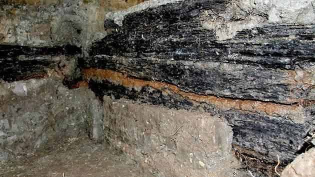 Trámové konstrukce zatím neznámého účelu (ca 700-350 př.n.l.).