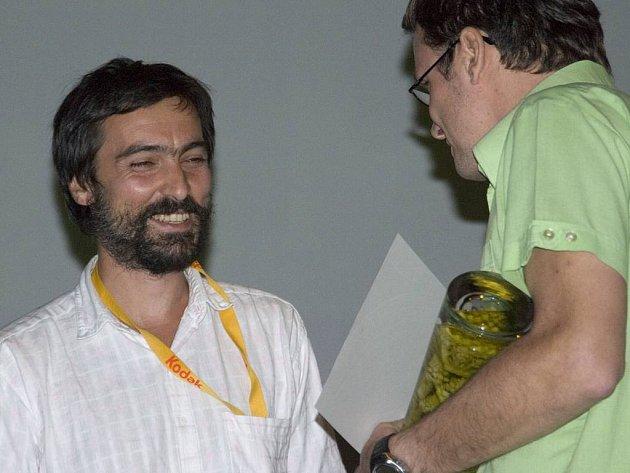 Cenu Theatre Optique za nejlepší animovaný nebo experimentální film obdržel Miloš Tomić za film Kese.