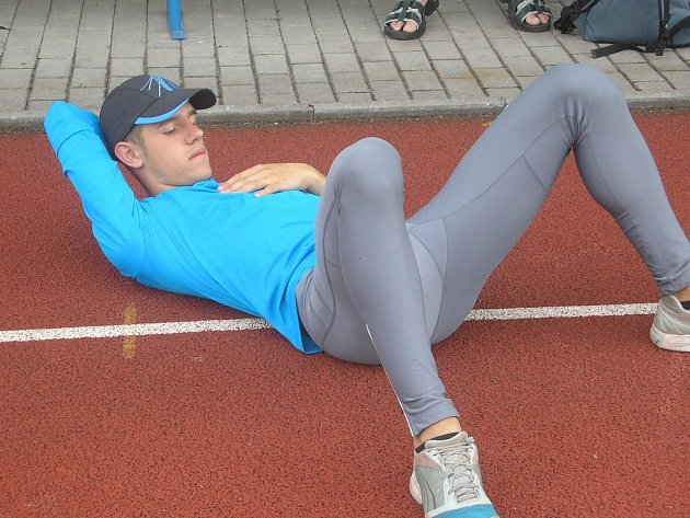 Dva tituly dorosteneckého mistra republiky vybojoval o víkendu na kladenském tartanu chodovský sprinter Václav Zich.