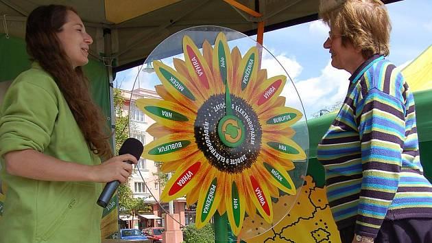 Osvětu v oblasti zpětného odběru vysloužilých elektrozařízení, ale i spoustu zábavy nabídla ekologická show Zatočte s elektroodpadem, která se konala v pondělí v Ostrově.
