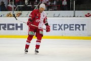 Hokejové utkání WSM Ligy - play off mezi celky HC Slavia Praha a  HC Energie Karlovy Vary 18. března v Praze. Smutný kapitán Slavie Jan Novák.
