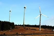 Větrné elektrárny na Neklidu u Jáchymova.