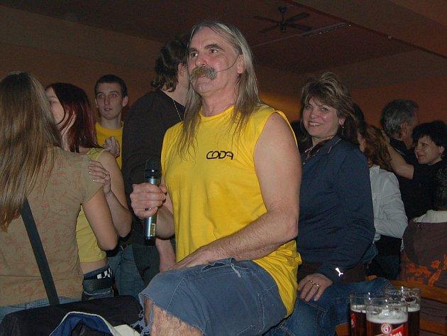 Zpěvák Honza Haško vždy patřil k pravým rockovým showmanům a frontmanům.