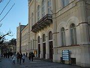 LACINÁ PERLA. Karlovy Vary si jednu ze svých posledních lukrativních budov cení jen na 29 milionů korun.