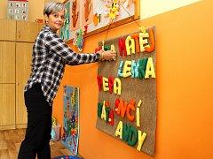 Radost z nových učeben mají i samotné učitelky ve škole. Na snímku učitelka Lucie Shrbená.