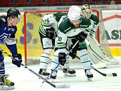 Hokejisté HC Energie (v bílém) hostili Havířov
