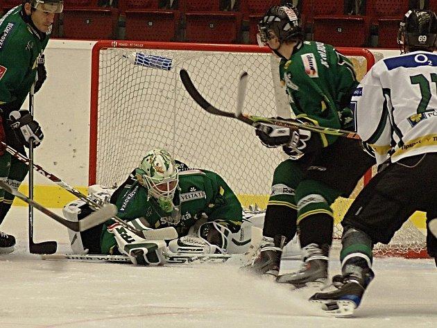 Úřadující mistři porazili v přátelském zápase mladoboleslavské hokejisty.