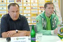 Prezident klubu Ladislav Trubač a hlavní trenér Antonín Stavjaňa.