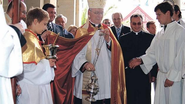 Svěcení pramenů, to je nedílná součást zahájení lázeňské sezony v Karlových Varech.