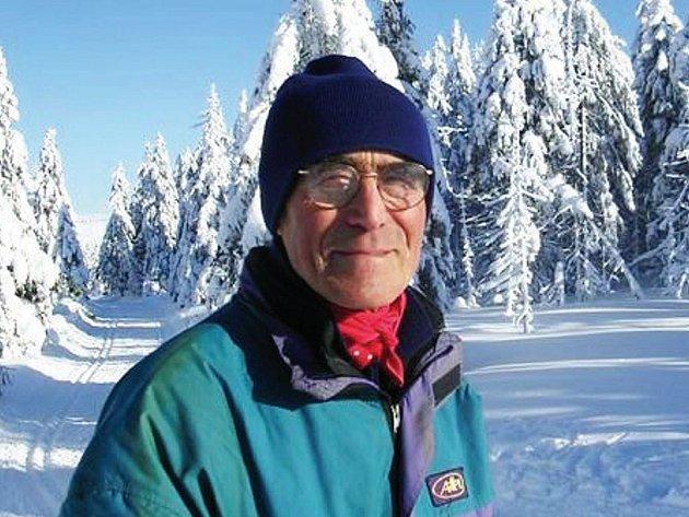 AUTOR ČLÁNKU Josef Bubeník z Mariánských Lázní – Rájova si při svých návštěvách Jáchymova rád projede okolní běžkařské tratě.