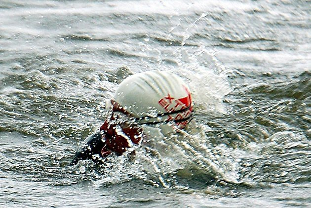 Čtvrtý ročník Xterra Czech Tour Koruna Pralines Ostrov 2010, který se uskutečnil tradičně v Ostrově ovládl Karlovarák Jak Kubíček. Na druhém místě zakončil závod v kategorii Elite Pavel Jindra, na bronzové příčce zakončil závod Martin Krňávek