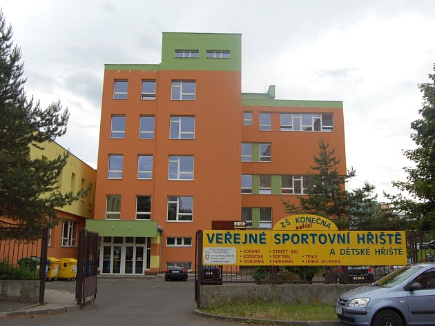 Základní škola Konečná v Karlových Varech.