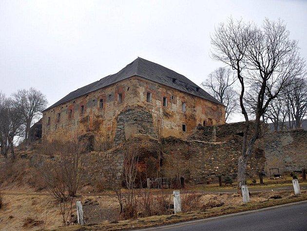 Toužimský zámek