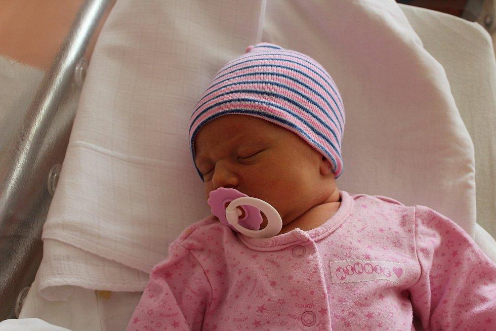 Josefína Machulková (3550 g, 51 cm) se narodila 10. července v 18:35 v plzeňské FN Lochotín. Rodiče Hanka a Martin z Lestkova přivítali očekávanou dceru společně. Na sestřičku se těšili sourozenci Jonatán (11), Johana (9), Judita (5) a Joel (1).