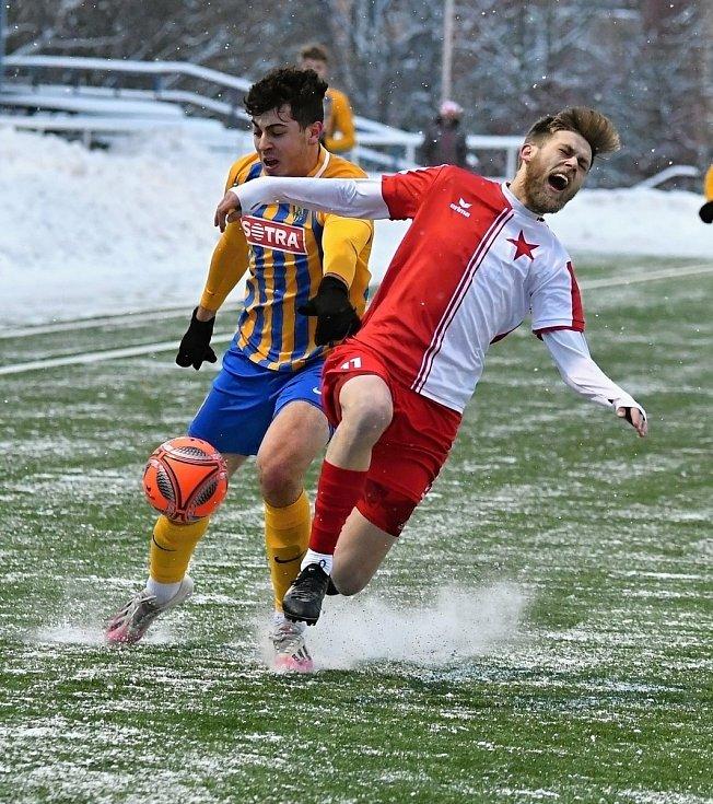 Karlovarská Slavia V šesti odehraných duelech před pozastavením soutěže totiž dosáhla na jedenáct bodů, za což byla odměněna devátou příčkou, která ji nakonec zůstala.