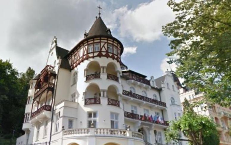 Hotel Trocnov.