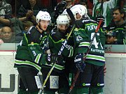 HC Energie (v zeleném) hostila Duklu JihlavaRadost po Grígerově gólu