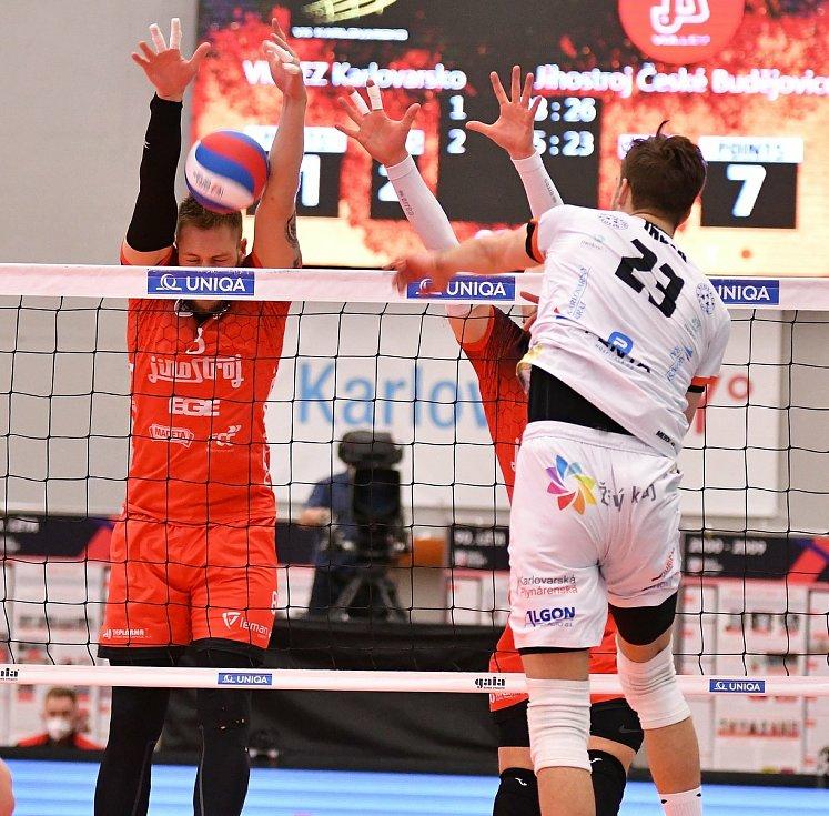 Jihočeši dokázali v Karlových Varech vyhrát nad Karlovarskem 3:2 na sety a ve finálové sérii snížili na 1:2 na zápasy.