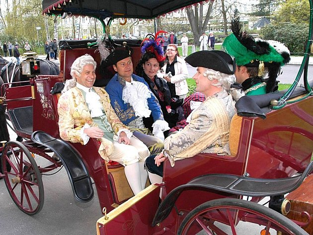 Městem modré krve se od pátku opět stanou Karlovy Vary. Už potřinácté si zde totiž dávají dostaveníčko zástupci šlechtických rodů z celé Evropy.