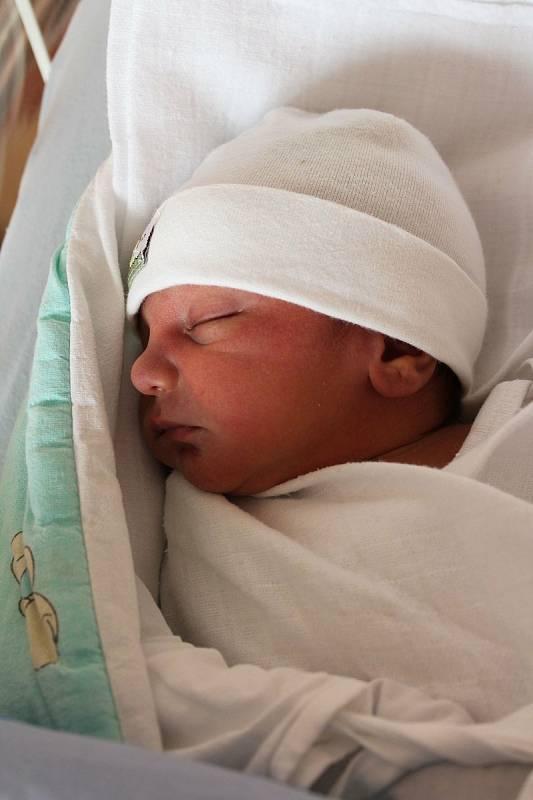 Matyáš Horváth z Plané u Mariánských Lázní se narodil 14. září 2021 v 0:17 hodin rodičům Světlaně a Josefovi. Po příchodu na svět ve Fakultní nemocnici v Plzni vážil bráška ročního Pepíčka 2740 gramů a měřil 46 centimetrů.