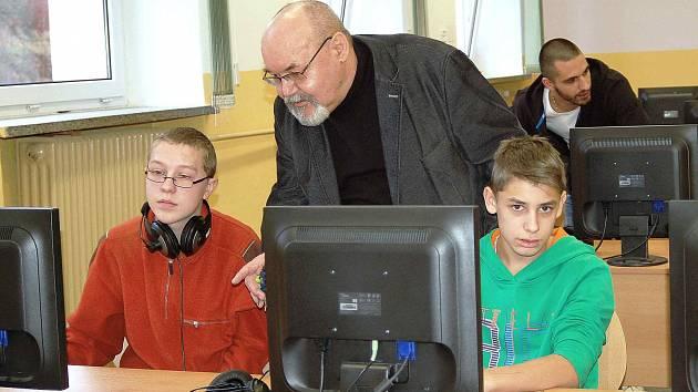 JAN MUSIL chtěl, aby měli všichni žáci spravedlivý přístup ke vzdělání i pomůckám.