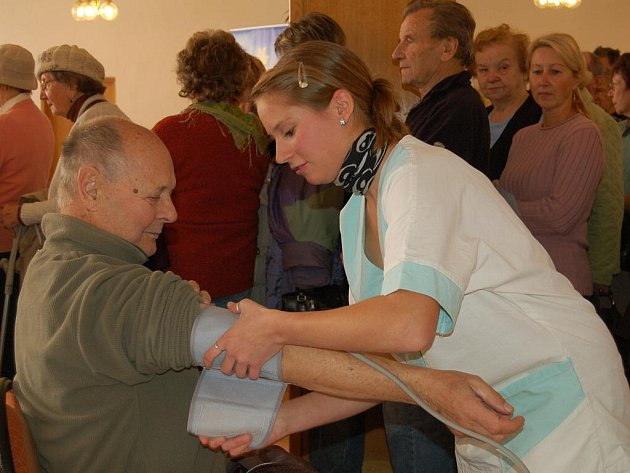 V rámci Světového dne diabetu se v karlovarských Alžbětiných lázních konala 20. října akce, kterou uspořádala karlovarská Územní organizace Svazu diabetiků ČR.