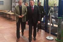Ministr obrany Martin Stropnický a hejtman Martin Havel.