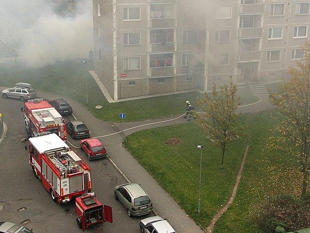 Čtenářka D. V. (jméno na její žádost neuvádíme) poslala záběr požáru z protějšího domu.