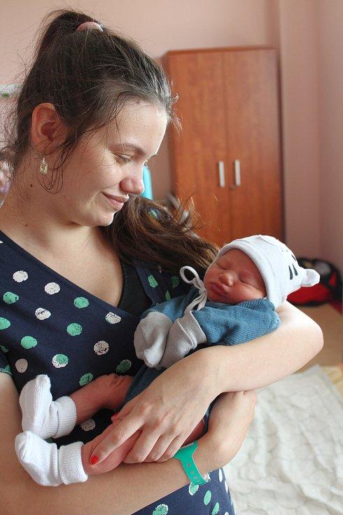 Matyáš Šmíd z Holýšova se narodil v plzeňské Fakultní nemocnici na Lochotíně 14. září v 6:12 hodin. Maminka Nikola a tatínek Stanislav věděli dopředu, že si domů z porodnice povezou prvorozeného chlapečka.
