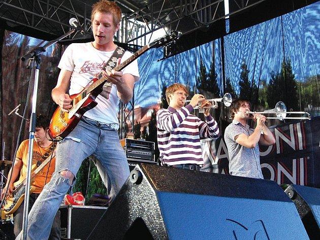 100°C koncertují na červnové akci Kanoe Mattoni 2007.
