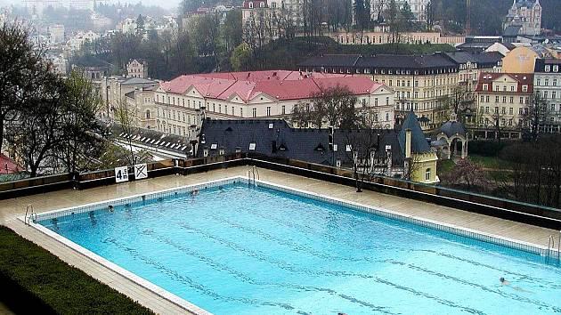 Bazén hotelu Thermal v Karlových Varech.
