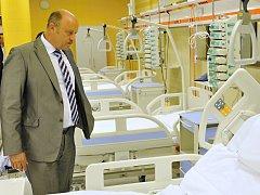 Slavnostní otevření pavilonu akutní medicíny v karlovarské nemocnici.