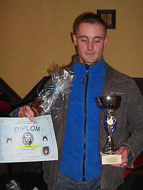 Milan Michálek, strážník z Chebu, se na karlovarskou soutěž připravil nejlépe, a zvítězil mezi muži.