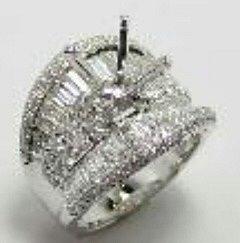 Ukradený prsten ze zlatnictví vKarlových Varech.