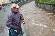 Některá města, například Hroznětín, už ochranu proti vodě mají.