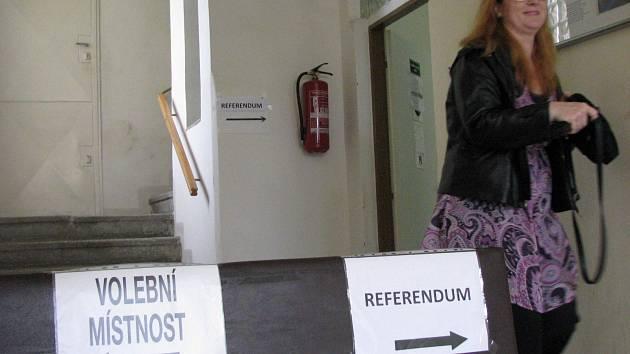 V Jenišově se kromě voleb konalo rovněž referendum o těžbě kaolinu.