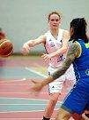 Basketbalistky karlovarské Lokomotivy nestačily na USK Praha i ve druhém utkání čtvrtfinálové série play-off.